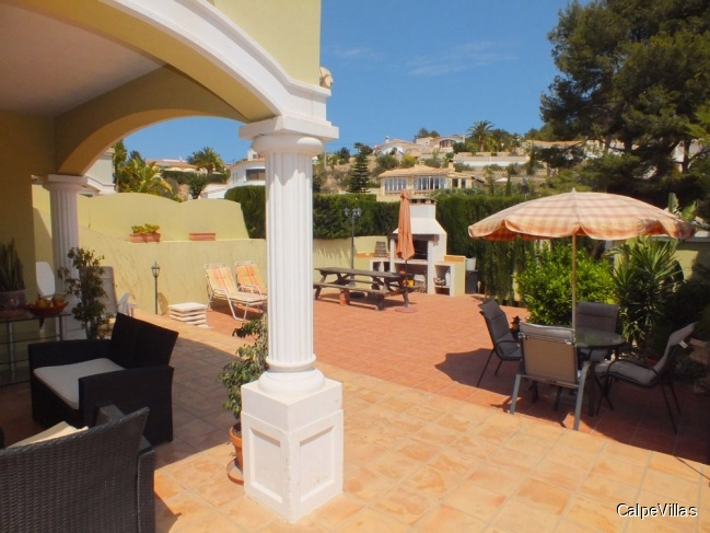 Beautiful, well-kept bungalow with communal pool in Calpe