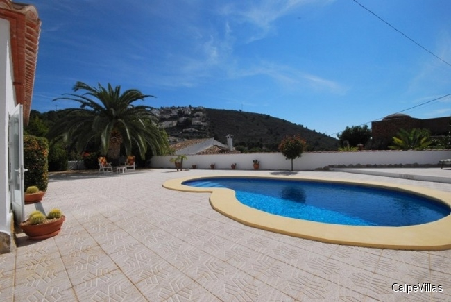 Elegant villa in Moraira, El Portet, within walking distance to the sea and city