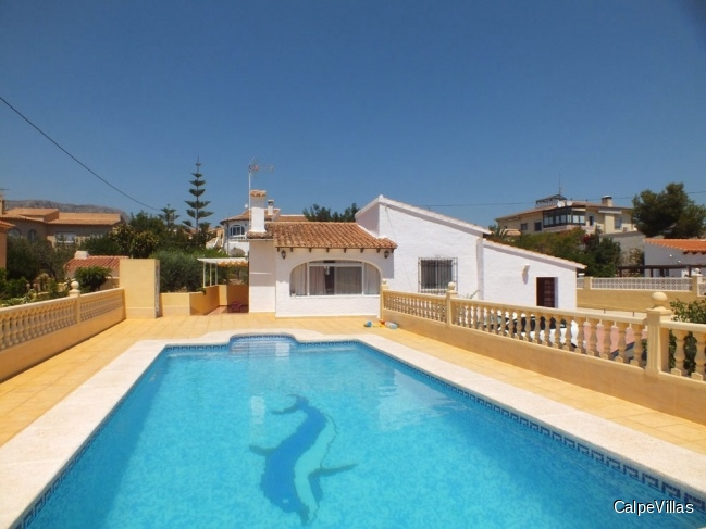 Beautiful villa in Calpe on a flat plot, close to the beach
