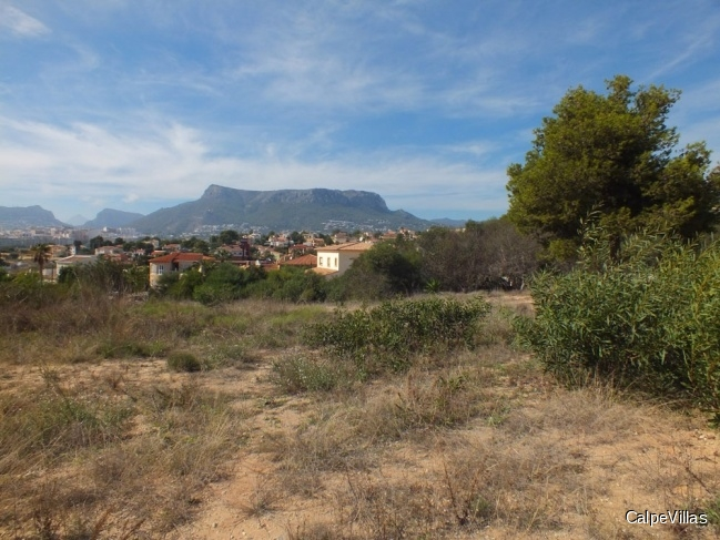 Flat plot in Calpe with sea views in a beautiful residential area