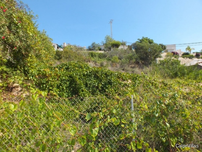 Plot in Moraira in the popular urbanization of San Jaime with sea view