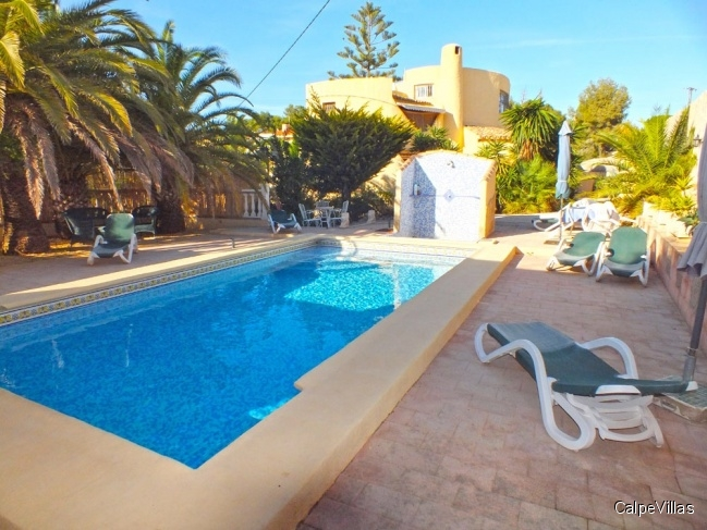 Villa in Calpe on a large plot