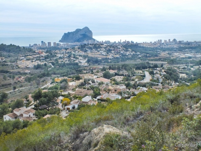 Plot in Calpe, 2100 m² with panoramic sea views 180 degrees