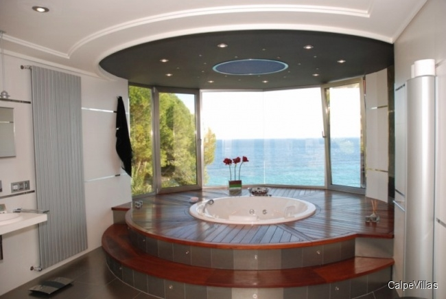 Exclusive luxury villa in first sea line in Calpe