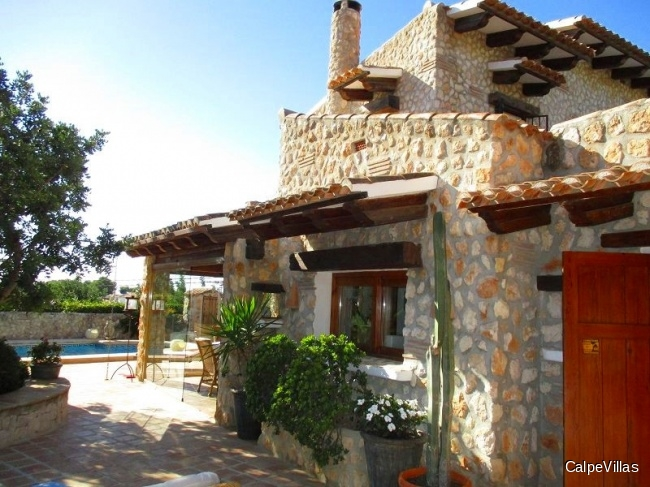 Finca style house in Moraira with pool