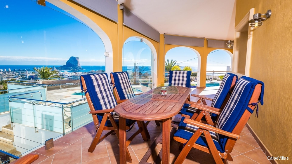 Villa with panoramic sea views in Calpe